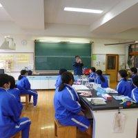 学校歯科医の先生による歯磨き指導