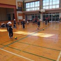 1年生体育の授業「ボールを使った運動」